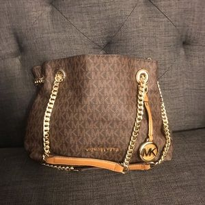 MICHAEL KORS PURSE / NEW WITHOUT TAGS